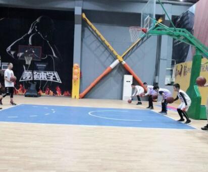 USBA美国篮球学院无锡USBA美国篮球学院星方羽毛球馆