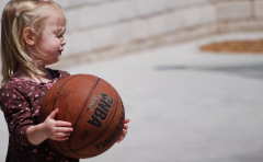 USBA美国篮球学院USBA美国篮球学院:体育锻炼能让学习更好